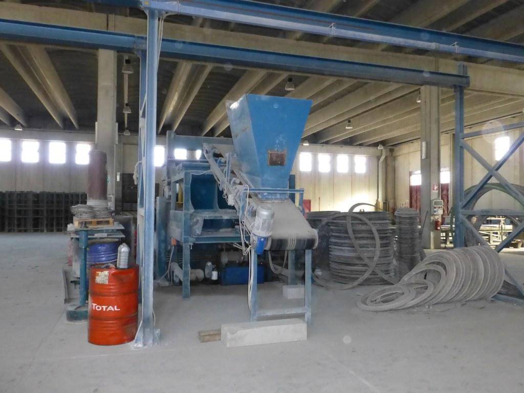 Machine de fabrication de blocs de ciment import export - Machine de fabrication de couette ...