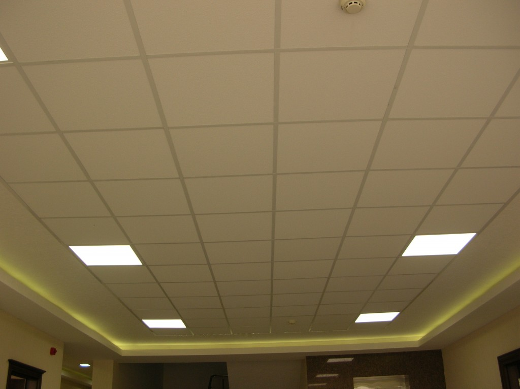 Plafond suspendu en mati re dalle 60x60 import export for Plafond dalle suspendu