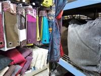 Semi-remorque d'articles pour soldeurs