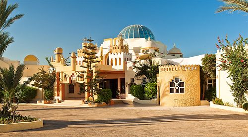 Opportunit vendre un h tel de 3 toiles l le de for Meuble 5 etoile tunisie