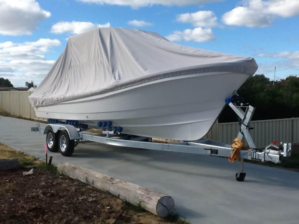 liya bateau de p che en fibre de verre 760 bon prix livraison tout. Black Bedroom Furniture Sets. Home Design Ideas