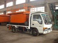 Moving lift table with car truck