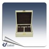 Laquage blanc classique boîte à bijoux en bois avec loquet de verrouillage magnifiquement conçu...