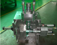 China mold make plastic injection tool and die