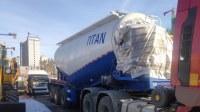 Étapes de déchargement d'un camion-citerne à poudre