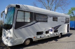 camping cars tous mod les et types import export. Black Bedroom Furniture Sets. Home Design Ideas