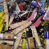 PROMO Lot de maquillage mix de 2 marques - 250 pièces