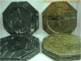 Assiettes en marbre fossilisé