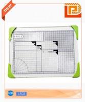 Retangular glass chopping board with measurement