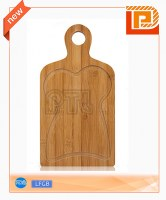 Deluxe rubber wood cutting board with handle