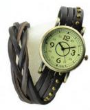 Grossiste chinois Montre tendance miler. Bracelet et cadran vintage. ( coloris multiple)