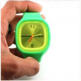 Foire au lot: montres mxite hyper tendance a 1euros