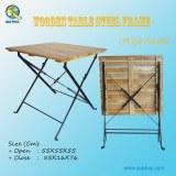Table pliante en bois en plein air